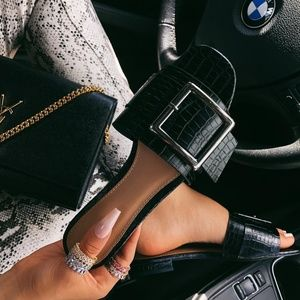 Shoes - 🚨ONE SALE//The Mindy// black buckle sandal